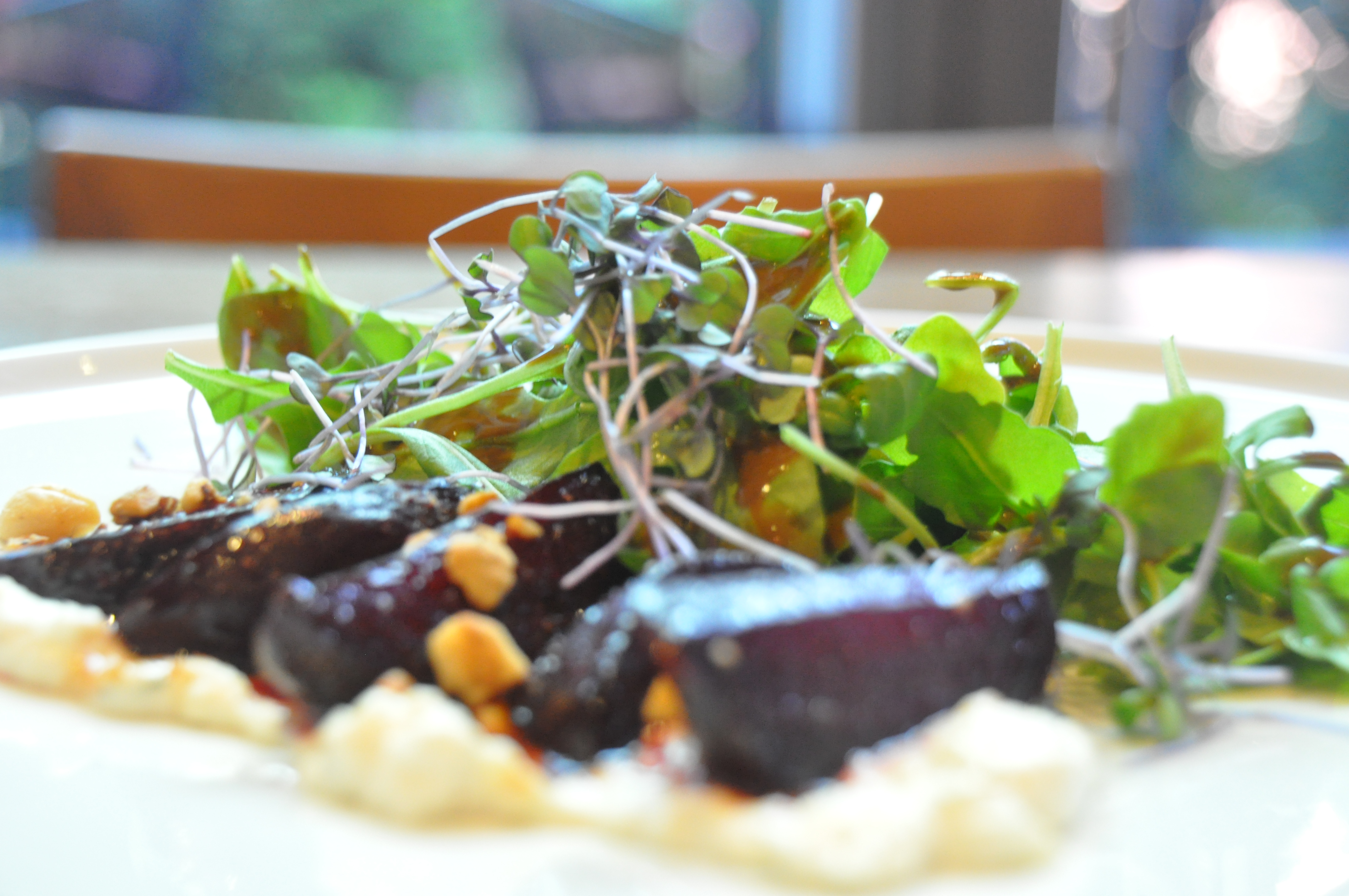 OXBO RECEPT – Salata od cikle s kremom od feta sira i limuna